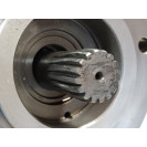 Гидромотор редуктора поворота колонны манипулятора KESLA 1395H