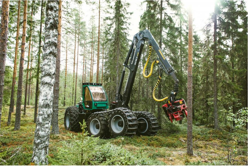 Какой манипулятор лучше купить для лесозаготовки - обзор параметров | НОКА